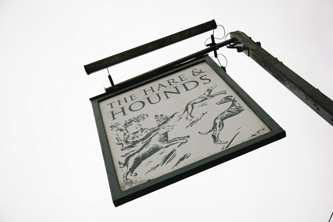 hare-hounds-sign